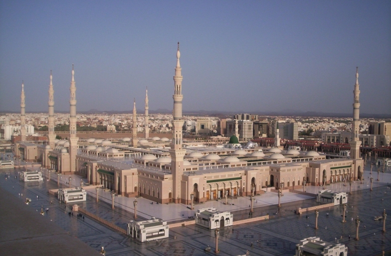 masjid_al_nabawi_in_madinah__saudi_arabia-other